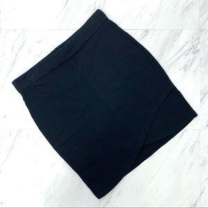 Aritzia- Talula Primrose Black Mini Skirt Small